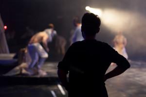 舞台袖のスタッフ