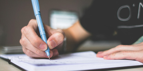WEBデザイナーに資格の取得や勉強は必要?
