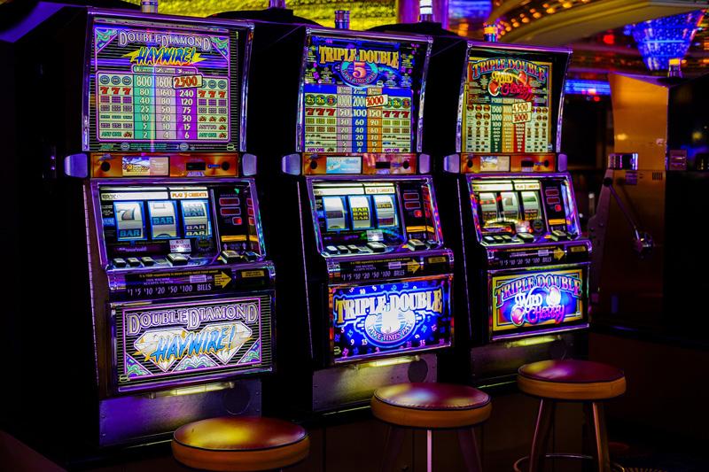 カジノ関連の仕事はスタッフだけではない!遊技機の企画・製造の仕事