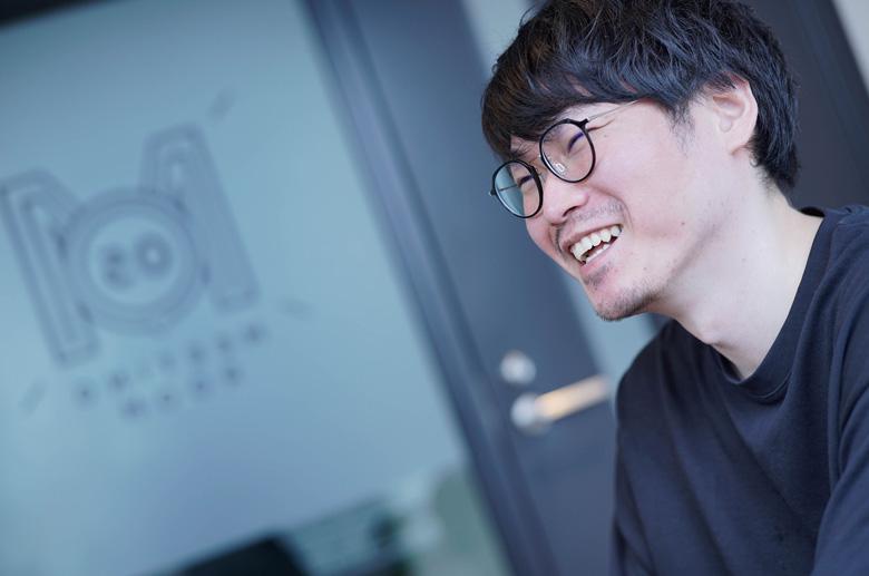 笑顔で話すBitStarの菊地さん